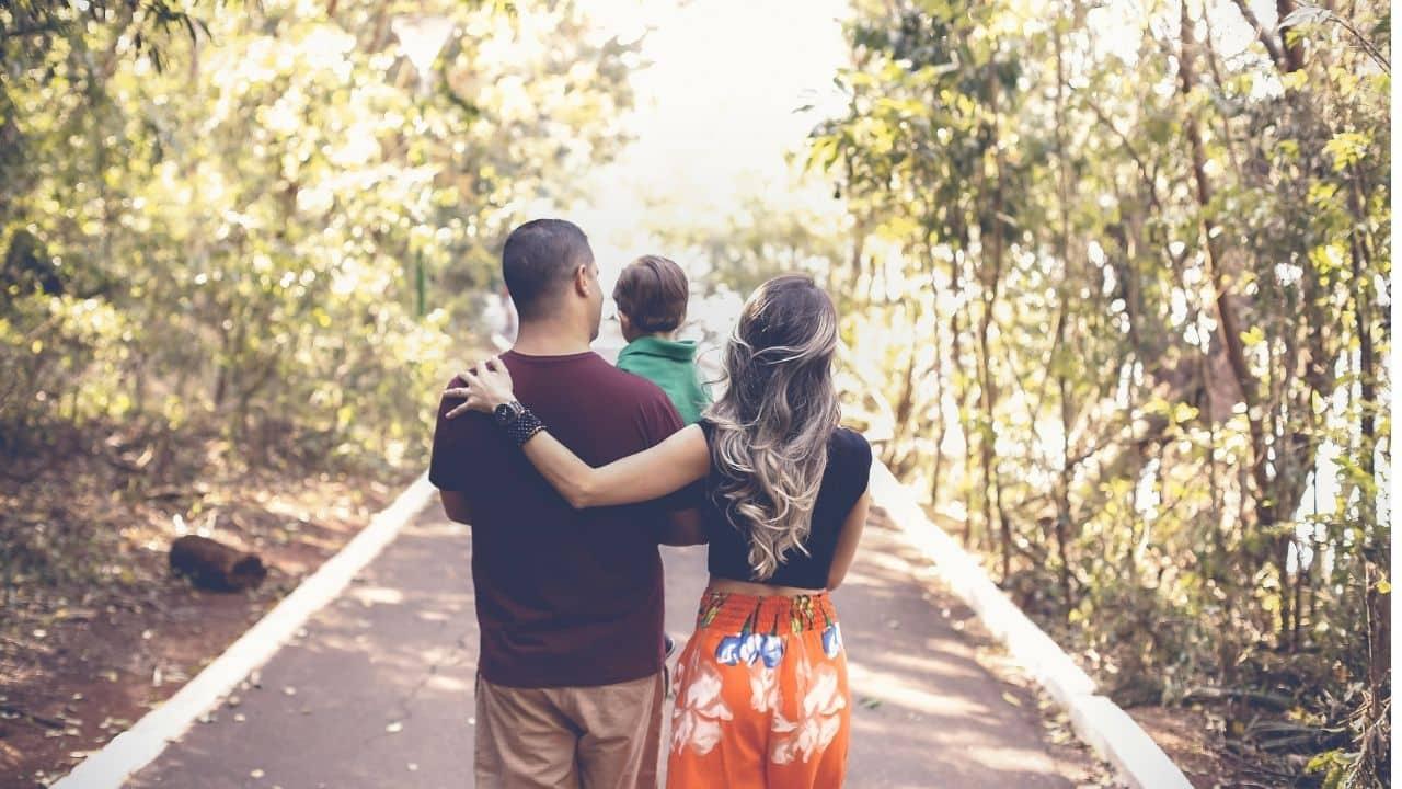 familia que recibe el cobro de la asignacion familiar por hijo